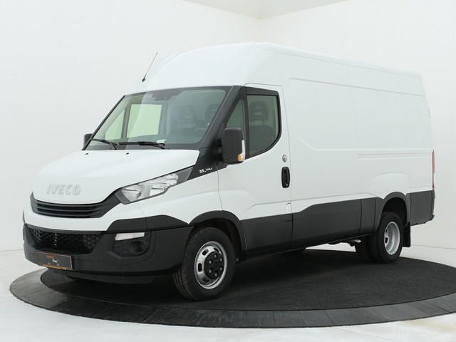 Iveco Daily 35C14 L2H2 Dubbellucht | 3500KG Trekhaak | Airco | Cruise | Betimmering