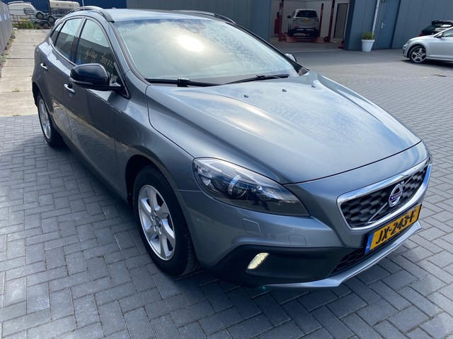 Volvo V40 Cross Country 2.0 T3 Summum Navigatie,Cruise,Pdc
