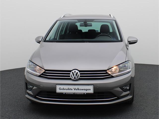 Volkswagen Golf Sportsvan 1.2TSI 111PK Highline Executive · Navigatie · Trekhaak · Camera