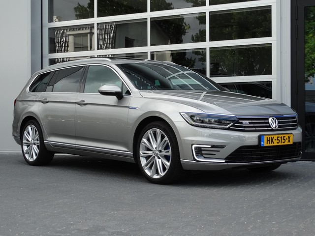 Volkswagen Passat Variant 1.4 TSI GTE Highline Adapt Cruise | Panodak | Navi