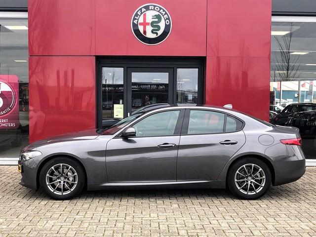 Alfa Romeo Giulia 2.2 Super Automaat   Xenon   Apple CarPlay   5 Jaar garantie Trekhaak afneembaar 5 jaar garantie!