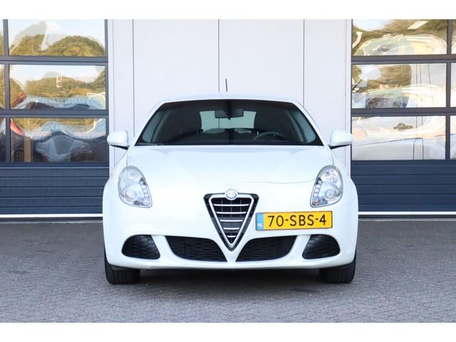 Alfa Romeo Giulietta 1.4 T   Airco   Radio   CD-speler   Distributieriem vervangen