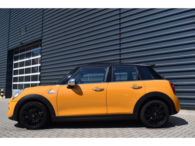 MINI Mini 2.0 Cooper S Chili Serious Business I Navi I Sportstoelen I Achteruitrijcamera I NL auto