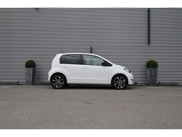 Skoda E-Citigo EV Style 83pk Automaat Cruise control Parkeersensoren achter Radio DAB Airco