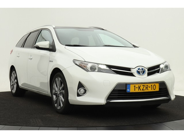 Toyota Auris Touring Sports 1.8 Hybrid | Dealer onderhouden | Panorama | Navigatie | Climate control | Camera | Privacy glass | Afn. trekhaak