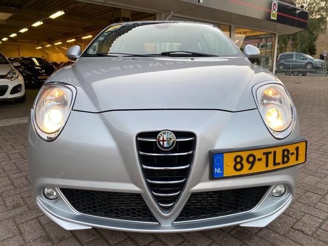 Alfa Romeo MiTo 1.4 T Distinctive   Volleder   Gr. Navigatie   Cruise ctr   Climate ctr   Afnm.trekhaak   135pk   Stoelverw.   Full-option's!