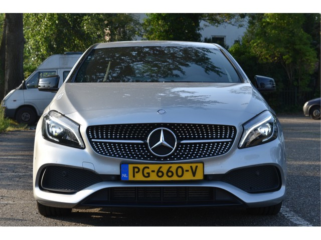 Mercedes-Benz A-Klasse 160 NL-AUTO, AMG PAKKET, CAMERA, NAVI, FULL LED, LM-VELGEN, NAP