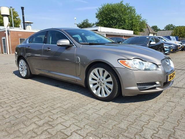 Jaguar XF 2.7D V6 Premium Luxury-Winter-Comfort-Pack Aut. *XENON+VOLLEDER+NAVI+BOWERS-WILKINS-AUDIO+PDC+ECC+CRUISE+CAMERA*