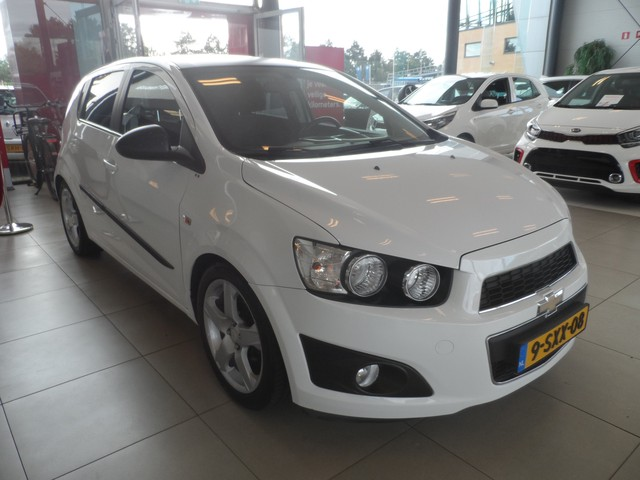 Chevrolet Aveo 1.4 LT, Cruise, Radio, Airco, Elektrische ramen **Black Friday Deals**