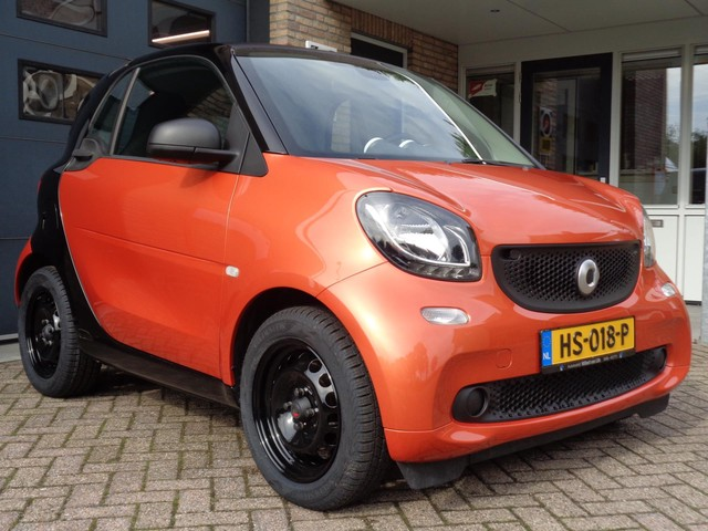 Smart Fortwo 1.0 Essential Edition Cool and Audio Comfort