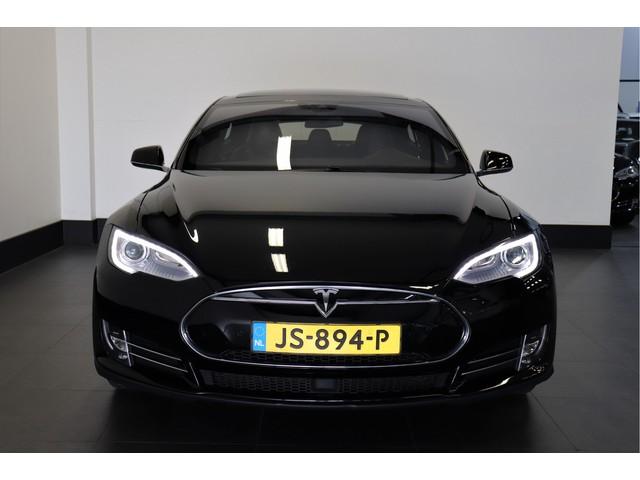 Tesla Model S 70 320 PK   AUTOPILOT   PANO-DAK   NEXT. GEN   4%   € 32.950,- Ex.