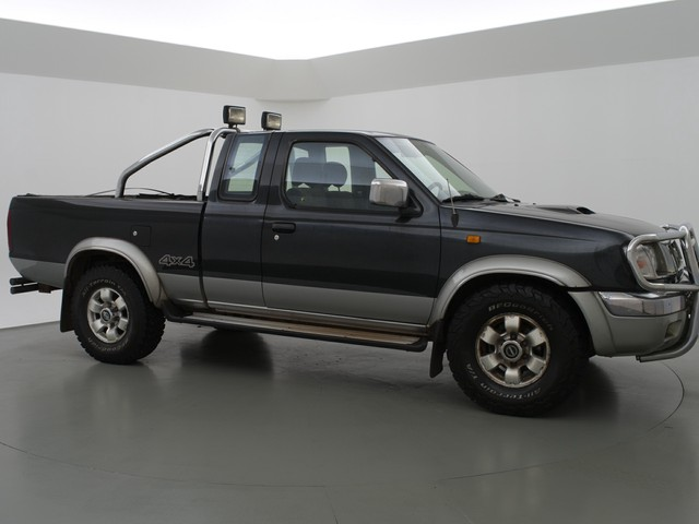 Nissan Pick-up 2.5 4WD KING CAB. + CLIMATE CONTROL   TREKHAAK