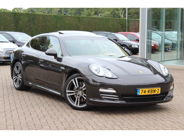 Porsche Panamera 3.6 4   Schuifdak   Bose   Parkeerhulp V+A   Sportchrono pakket   NL Auto!