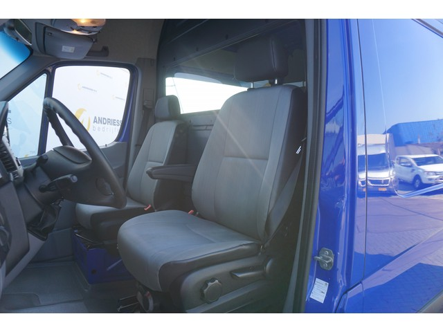 Volkswagen Crafter 2.0 TDI L2H2, Airco, Cruise, PDC V+A