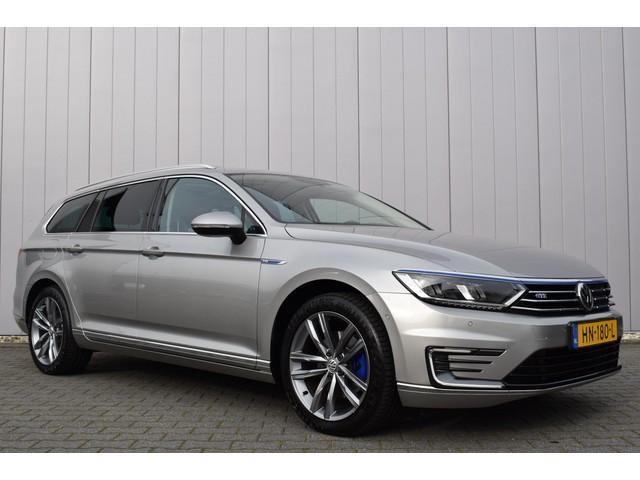 Volkswagen Passat Variant 1.4 TSi DSG GTE Highline R-Line Panoramadak, Leder Alcantara, Trekhaak, Full Map Navi, EX BTW!!