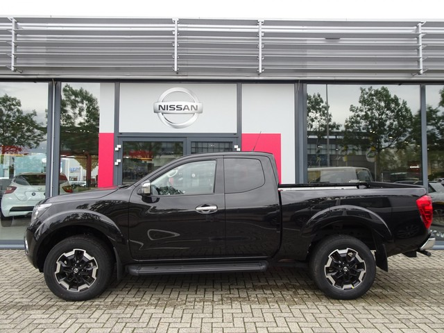 Nissan Navara 2.3 dCi N-Connecta King Cab + Tekna Pack + Trekhaak+ Diff lock