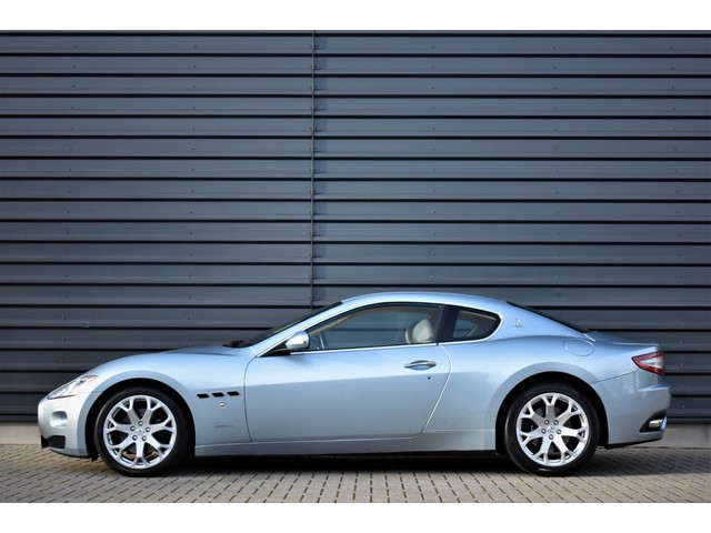 Maserati GranTurismo 4.2 406PK | NL-AUTO | LUXURY INTERIEUR | FERRARI ENGINE | SPECIAL BLUE COLOR