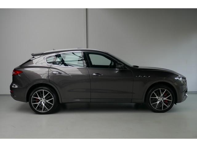 Maserati Levante 3.0 V6 SQ4 AWD 430 PK