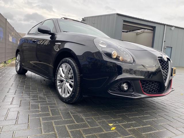 Alfa Romeo Giulietta 1.4 Turbo MultiAir Super 170 pk automaat Panodak