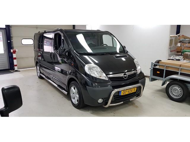 Opel Vivaro 2.5 CDTI L2H1 DC