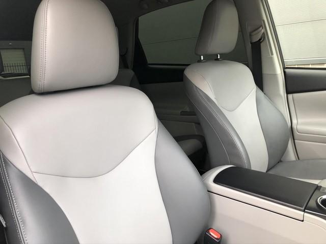 Toyota Prius 1.8 Executive   Automaat   Navigatie + Camera   Leder interieur   Stoelverwarming