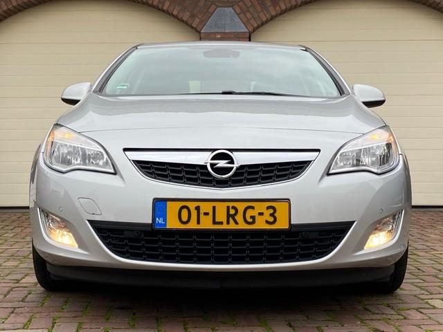 Opel Astra 1.4 Turbo Cosmo Clima Navi PDC v+a 140PK