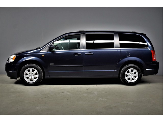 Chrysler Town & Country 3.8 V6 198pk Automaat Stow & Go 7p Navi DVD T.haak Leer Pdc Lmw 192dkm