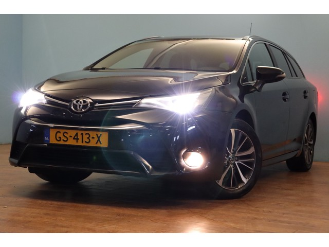 Toyota Avensis Touring Sports 1.6 D-4D-F Lease Pro climate, navi, camera, cruise, trekhaak afn. bluetooth, DAB+