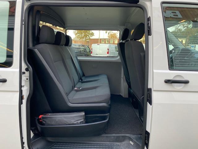 Volkswagen Transporter 2.0 TDI L2H1 102pk DC 5 persoons Comfortline Plus   rijklaar € 17.950 ex btw   lease € 303   airco   cruise   navi   pdc achter