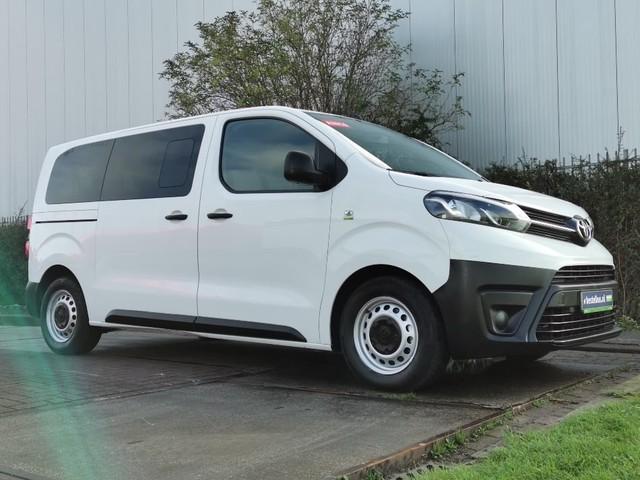 Toyota pro-ace 1.6 d4-d shuttle 9-pers