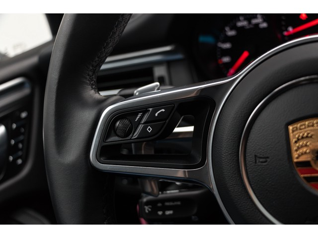 Porsche Macan 2.0 245pk PDK Nieuw Model Luchtvering Panoramadak Sportleder+Memory Full-Led Bochtenverlichting Navi High Privatglass AppleCarpl