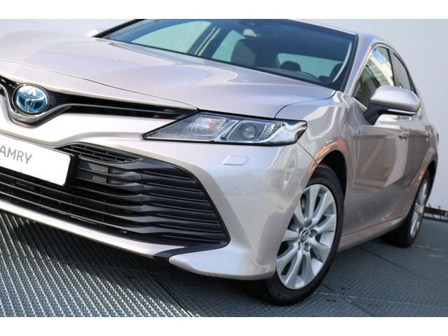 Toyota Camry 2.5 Hybrid Active Limited € 6.295,- Voordeel !!
