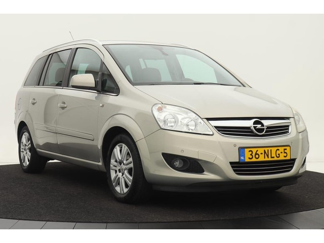 Opel Zafira 1.8 Cosmo 7-Persoons | Navigatie | Climate control | Cruise control | Trekhaak | Lichtmetalen velgen | privacy glass