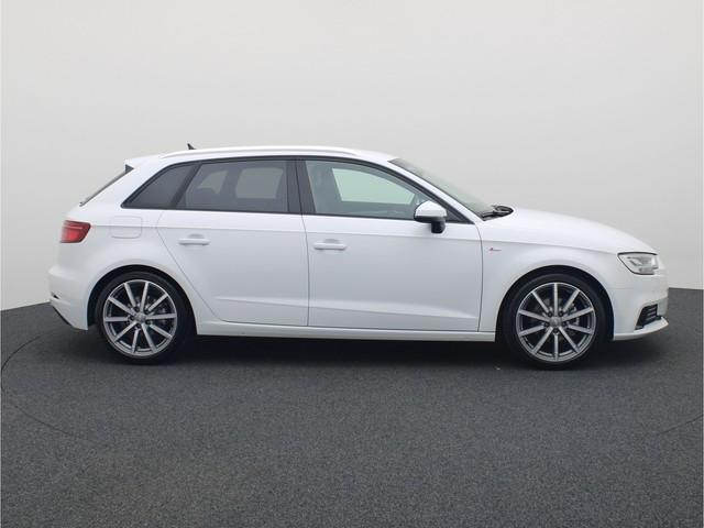 Audi A3 Sportback 35TFSI 150PK CoD Advance Sport · Virtual cockpit · Drive select · LED