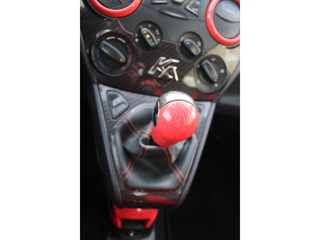 Ford Ka 1.2 Titanium X start stop Airco Elektr.pakket Voorruit verwarming WIJ ZIJN GEWOON GEOPEND!!