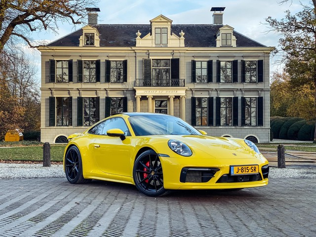 Porsche 911 3.0 Carrera S SPORT CHRONO   SPEED YELLOW   SCHUIFDAK