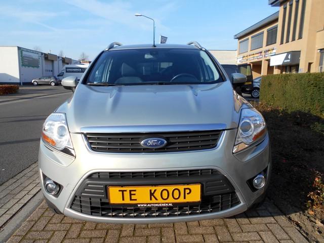 Ford Kuga 2.5 20V AUTOMAAT TITANIUM-UITVOERING NAVIGATIE KEYLESS-STARTEN TREKHAAK STOELVERWARMING CAMERA GOED-ONDERHOUDEN
