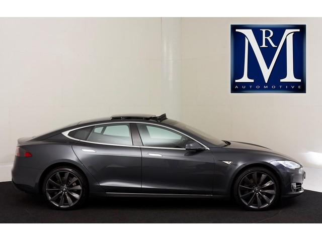 Tesla Model S 85D *EX. TAXES VAT* | FREE SUPERCHARGE | AUTOPILOT | OPEN PANORAMIC ROOF |