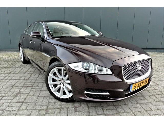 Jaguar XJ 3.0 V6D Premium Luxury NIEUWSTAAT Panoramadak Leder Navigatie Nieuwstaat