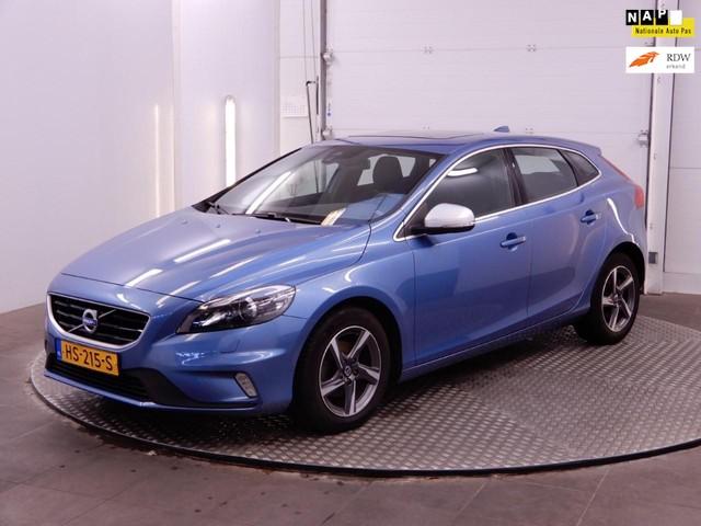 Volvo V40 2.0 D2 120pk R-Design Business [ Open dak Bi-Xenon Led Leer Alcantara Navi LMV Winter Line Voorstoelen Verwarmd ]