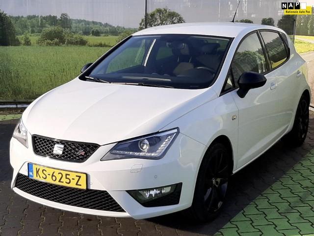 Seat Ibiza 1.0 EcoTSI FR Connect (NAVIGATIE, SEAT SOUND, ACHTERUITRIJCAMERA, TREKHAAK, PDC, STOELVERWARMING, XENON, APPLE-CARPLAY)