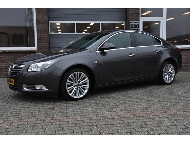 Opel Insignia 1.4 T COSMO XENON NAVIGATIE ECC-AIRCO PDC TREKHAAK