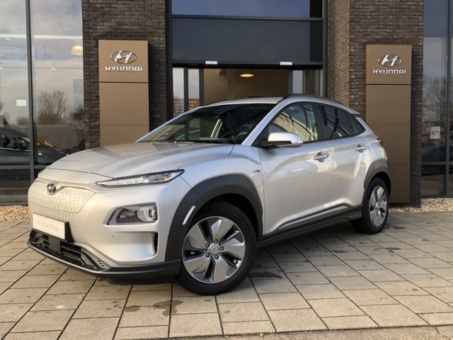 Hyundai Kona EV Fashion 64 kWh   8% Bijtelling   Uit voorraad leverbaar  