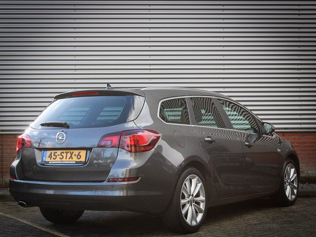 Opel Astra Sports Tourer 1.4 Turbo Cosmo 140pk + Leder   Navigatie   PDC