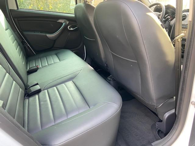 Dacia Duster TCe 125pk Prestige Leer, Navig., Airco, Cruise, Park. sens. Trekhaak