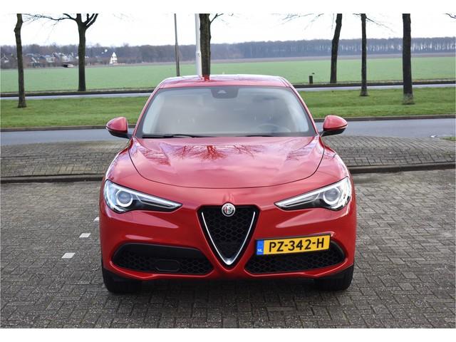 Alfa Romeo Stelvio 2.0T Q4 AWD 295pk Savali Super Climate control   19