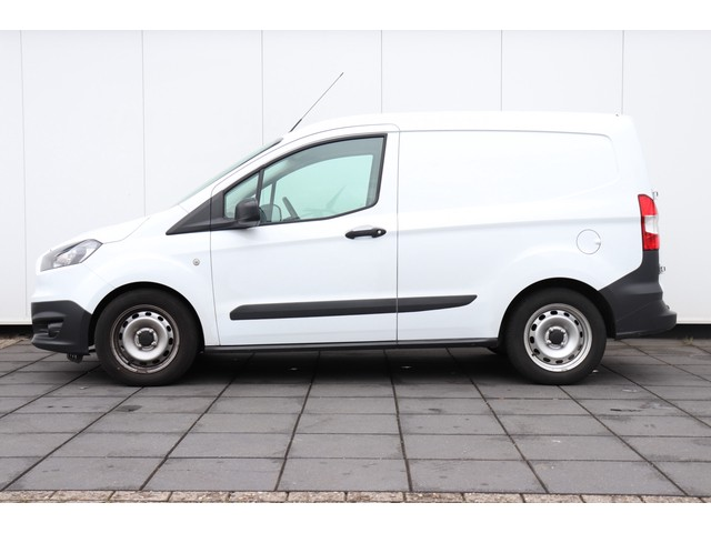 Ford Transit Courier 1.5 TDCI Ambiente   AIRCO   TREKHAAK   37 DKM!!   EX.BTW  