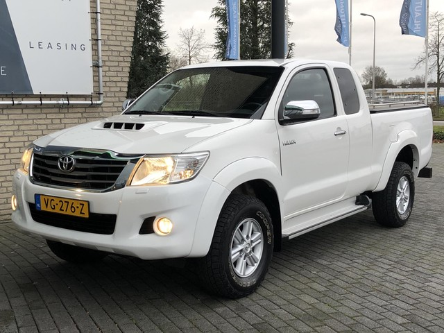 Toyota Hilux 2.5 D-4D SX Xtra Cab*AIRCO*HAAK*4WD*CAMERA*