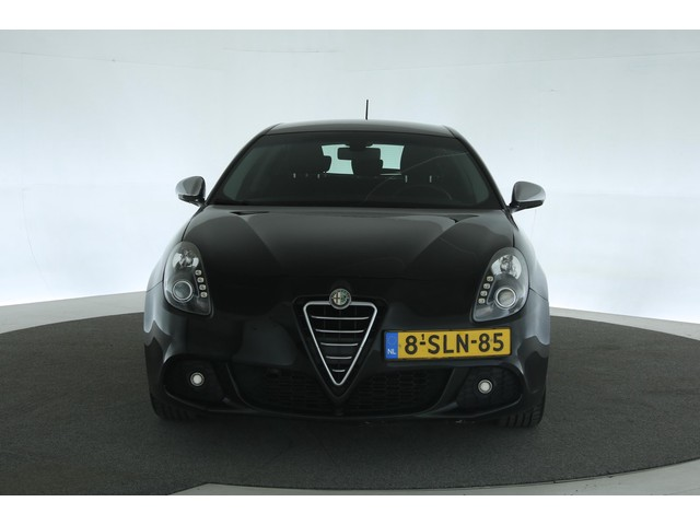 Alfa Romeo Giulietta 1.4T 170pk Distinctive Aut. [ Navi Clima PDC Led ]