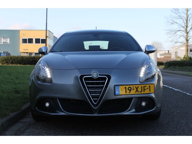 Alfa Romeo Giulietta 1.4 T Distinctive I Navi I Automaat!